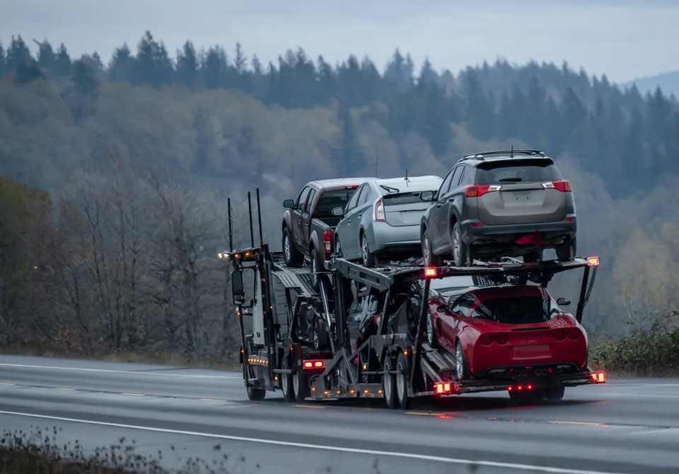 cargo lifted to the plane